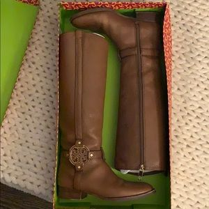 Tory Burch Amanda boot. Almond (brown) sz 8